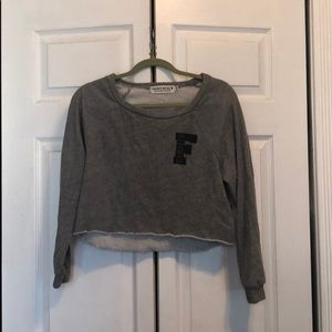 Cropped juniors crew neck